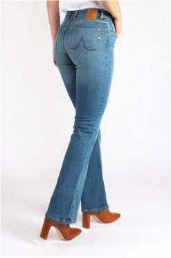 Kuyichi-Jeans-Amy-Bootcut-Essential-Medium-Blue